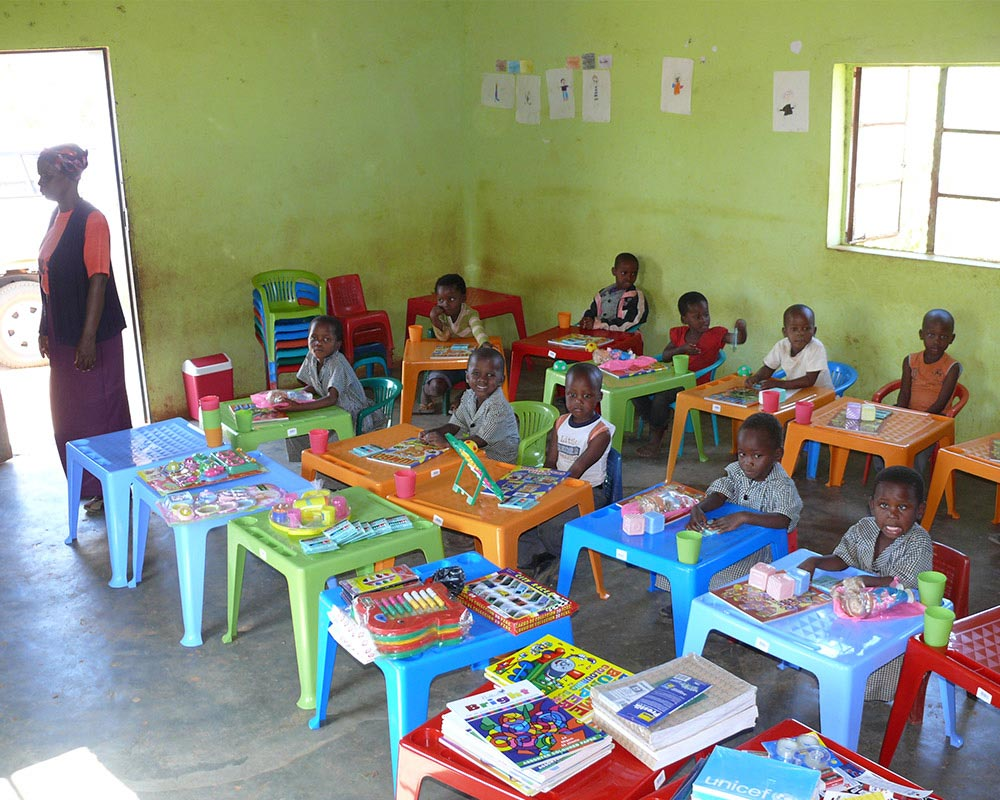Hilfsprojekte: Aids- Waisenkinder in einem Hand in Hand NCP in Swasiland Afrika